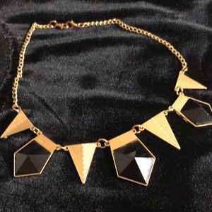 Express spike necklace